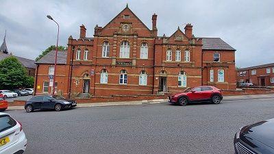 Office to let in Chapel Street, Dukinfield