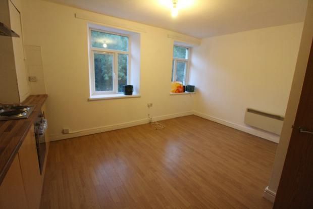 Thumbnail Flat to rent in Broadway, Treforest, Pontypridd
