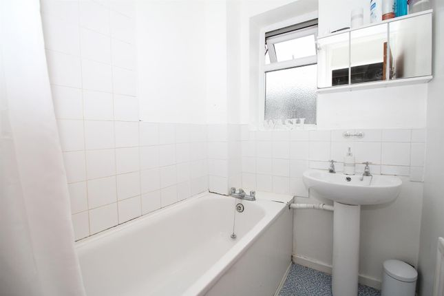 Bathroom of Silver Spring Close, Erith DA8