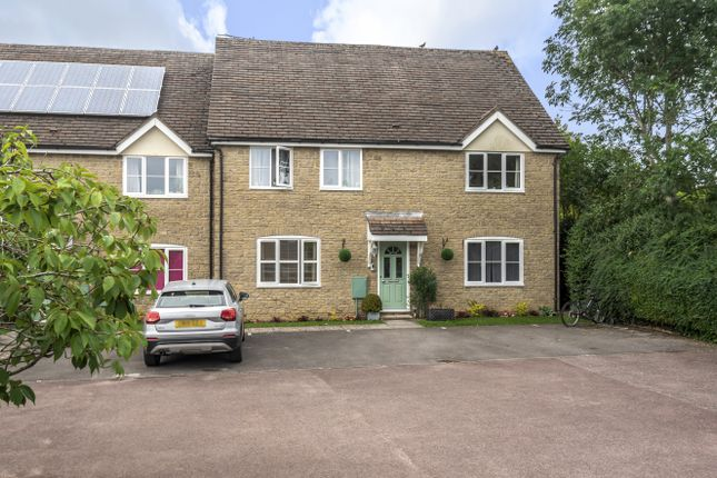1 bed flat for sale in Five Trees Close, Tetbury GL8