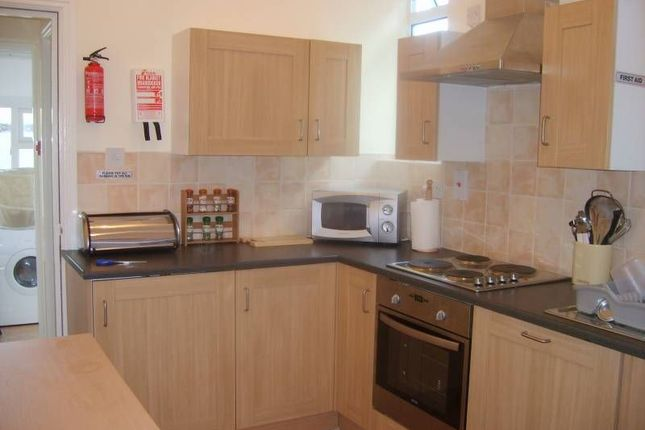 Room to rent in Askern Road, Toll Bar, Doncaster DN5