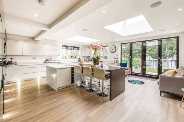 Thumbnail Semi-detached house to rent in College Gardens E4, Chingford, London,