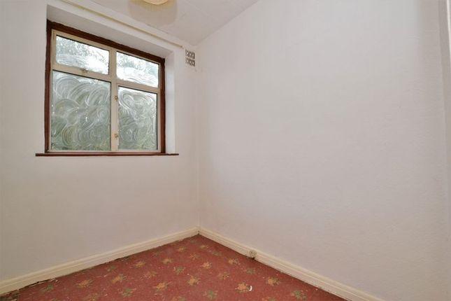 Bedroom of Nettlewood Road, London SW16