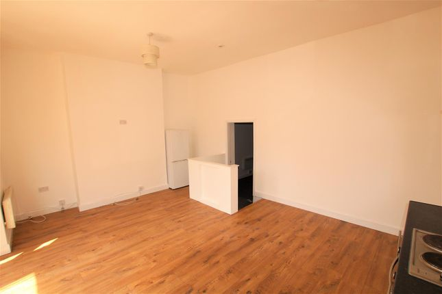 Lounge/Kitchen of Clarendon Park Road, Leicester LE2