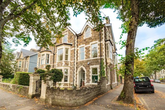3 bed flat for sale in Oakfield Street, Roath, Cardiff CF24