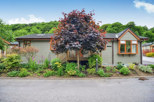 2 bed mobile/park home for sale in Lea Lane, Merebrook Park, Matlock