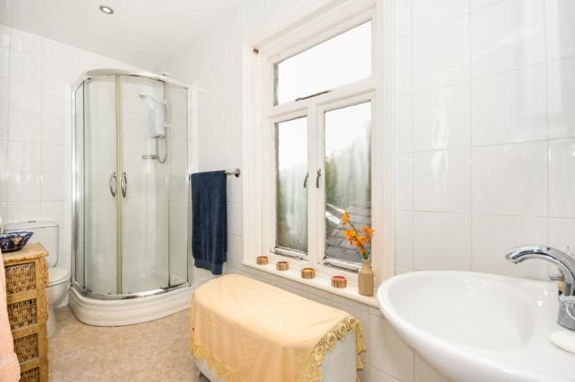 En-Suite of Winwick Lane, Lowton, Warrington, Greater Manchester WA3