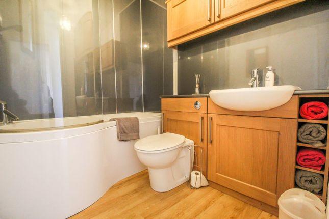 Bathroom of Esslemont Avenue, Aberdeen AB25