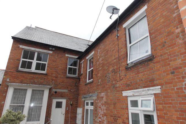 Thumbnail Flat to rent in Castle Dyke, Launceston, Cornwall
