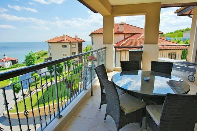 Thumbnail Apartment for sale in Thracian Cliffs Golf & Beach Resort, Kavarna, Bulgaria