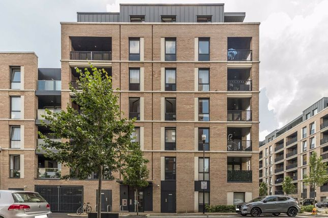 Thumbnail Flat for sale in Addington Close, Southall