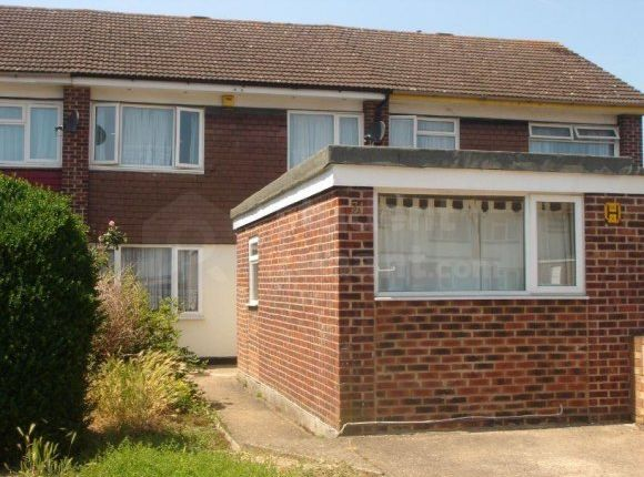 Thumbnail Shared accommodation to rent in Eleanor Avenue, Epsom, Surrey