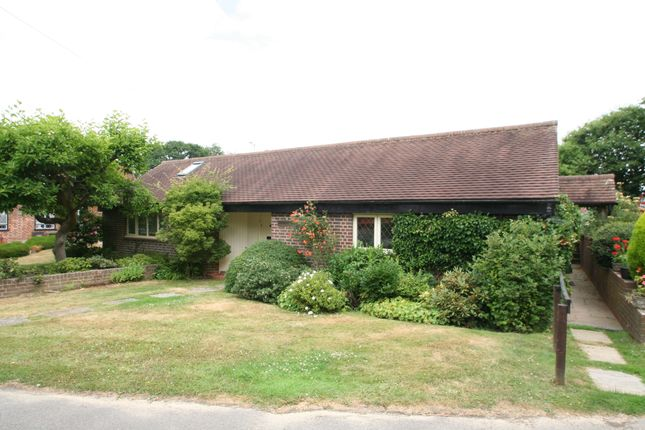 Thumbnail Detached bungalow to rent in Rosecroft Park, Farnham Lane, Langton Green, Tunbridge Wells