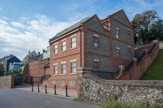 Thumbnail Detached house for sale in High Road, Gorleston, Great Yarmouth