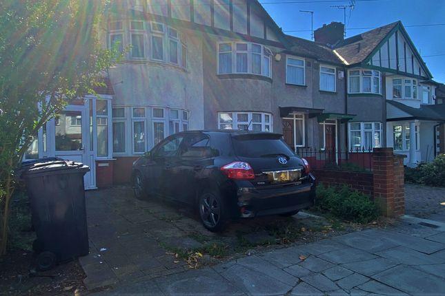 Thumbnail Maisonette to rent in Fraser Road, Perivale, Greenford