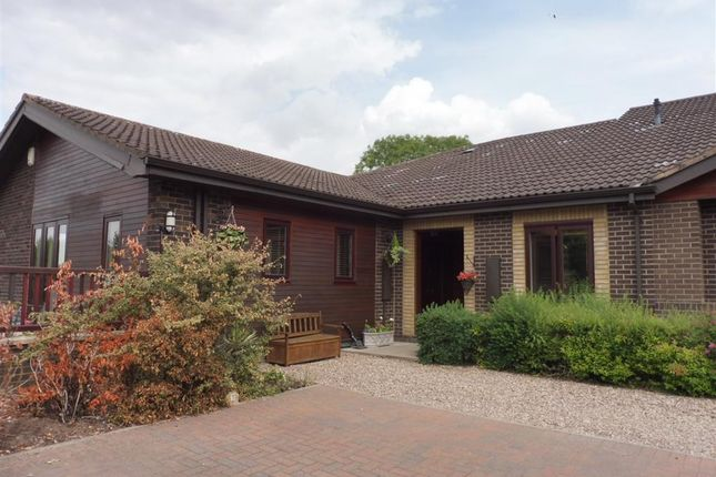 Thumbnail Flat to rent in Stoneleigh Road, Bubbenhall, Coventry