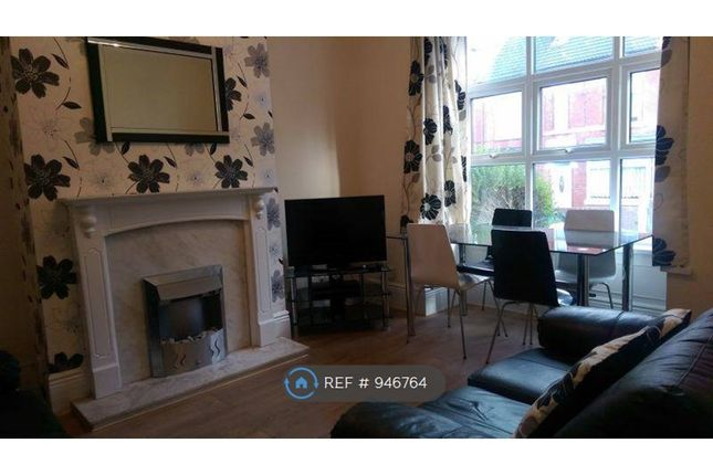 High Quality, Fully Furnished Living Room