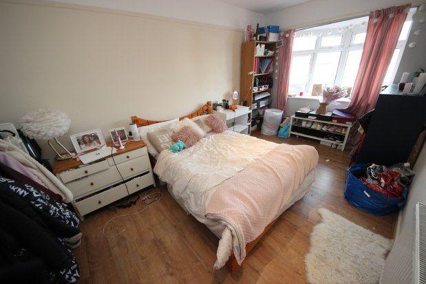 Find 4 Bedroom Properties To Rent In Surrey Zoopla