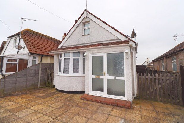 Thumbnail Bungalow to rent in Glebe Way, Clacton-On-Sea
