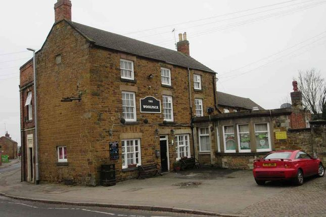 Pub/bar to let in Market Hill, Rothwell, Kettering