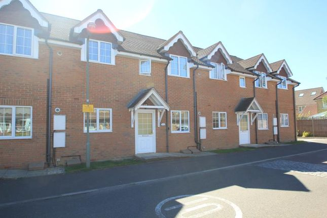 Thumbnail Flat to rent in Highclere Road, Knaphill, Woking