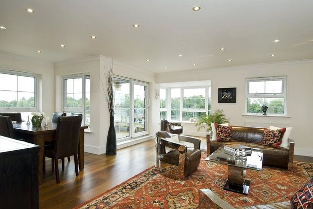 Thumbnail Flat to rent in Russell Close, Chiswick, London