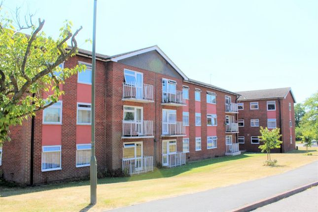 Thumbnail Flat for sale in Elleray Court, Ash Vale