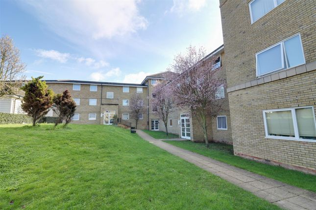 Front of Kingfisher Heights, Hogg Lane, Grays RM17