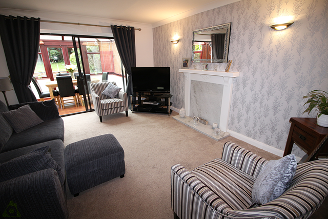 Lounge of Greensmith Way, Westhoughton BL5