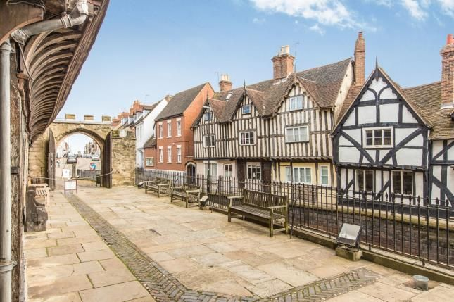 Thumbnail Property for sale in High Street, Warwick, Warwickshire