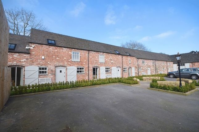 Thumbnail Barn conversion to rent in Blythe Bridge Road, Caverswall, Stoke-On-Trent