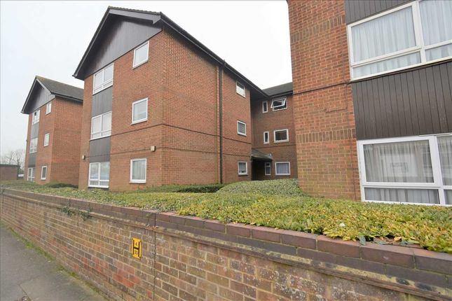 1 bed flat to rent in Gildenhill Road, Swanley BR8