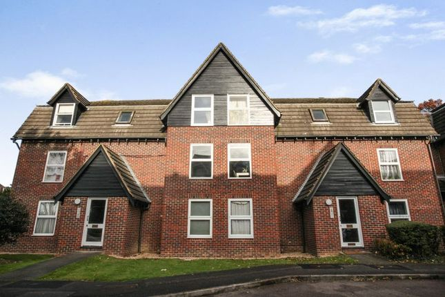 Thumbnail Flat for sale in Millers Green Close, Enfield