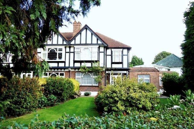 4 bed semi-detached house to rent in Milne Feild, Pinner HA5