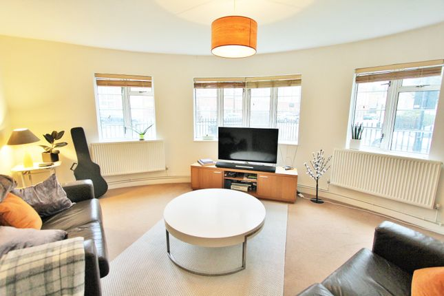 2 bed flat for sale in Arbour Square, London