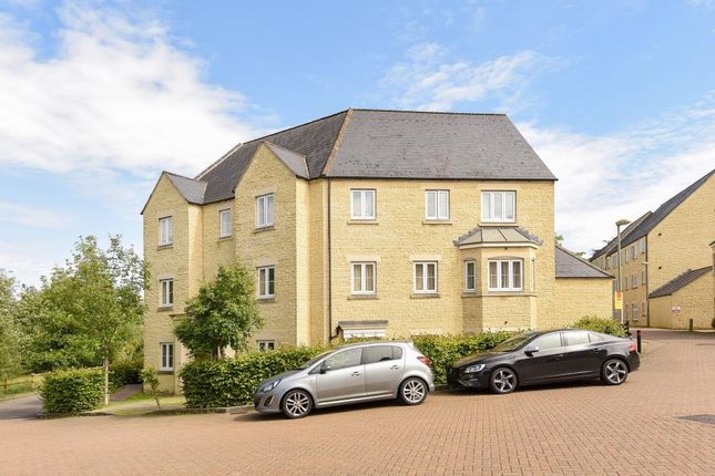 Thumbnail Flat for sale in Hyde Meadow View, Witney