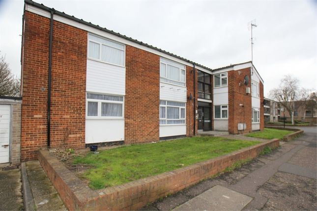 Thumbnail Flat for sale in Maple Road, Yeading, Hayes