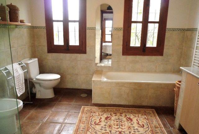 Master Bathroom of Spain, Málaga, Coín