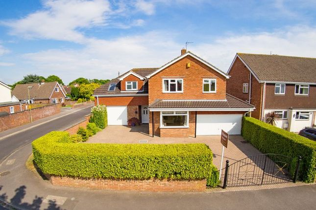 Thumbnail Detached house for sale in Lodge Road, Locks Heath, Hampshire
