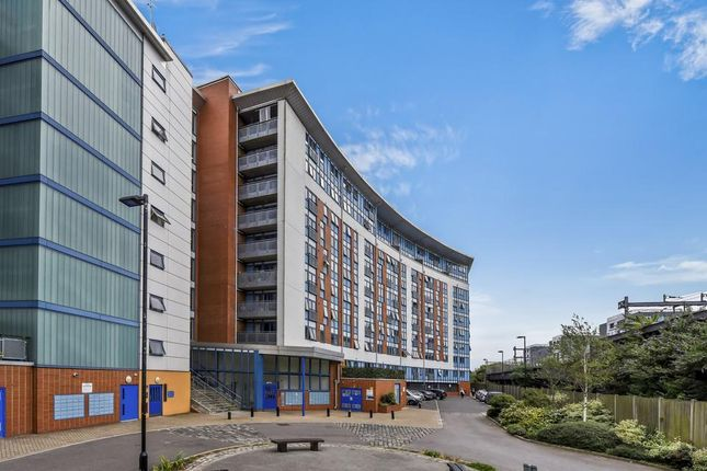 Thumbnail Flat for sale in Meath Crescent, London