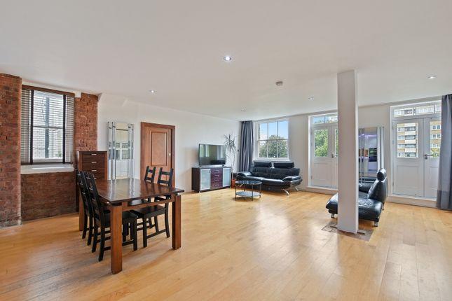 Thumbnail Flat to rent in Bartholomew Square, London