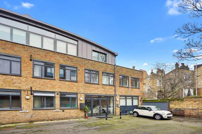 2 bed flat to rent in Coleman Fields, London N1