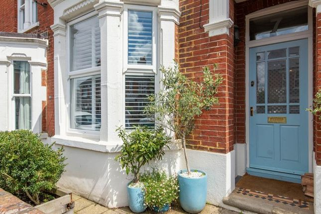 5 bed town house for sale in Devonshire Road, Horsham RH13 - Zoopla