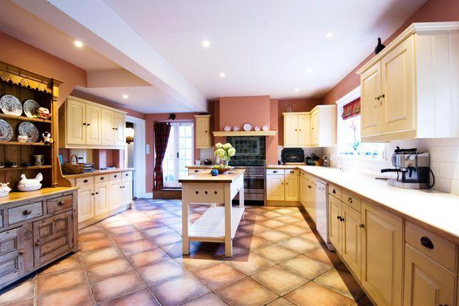 House. Estate Agency Cranleigh Kitchen