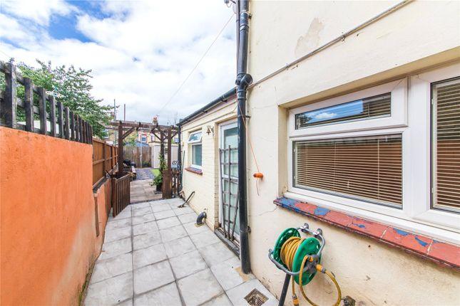 Picture No. 34 of Northcote Road, Gravesend, Kent DA11