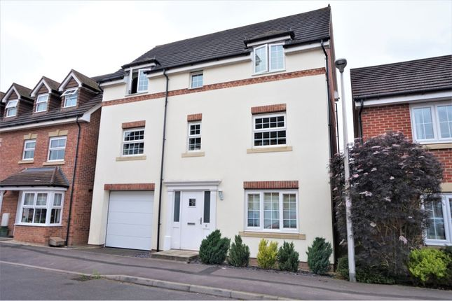 Thumbnail Detached house for sale in Horse Guards Way, Thatcham