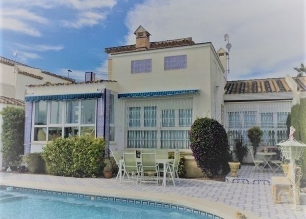 3 Bedroom House In Villamartin, Alicante, Spain