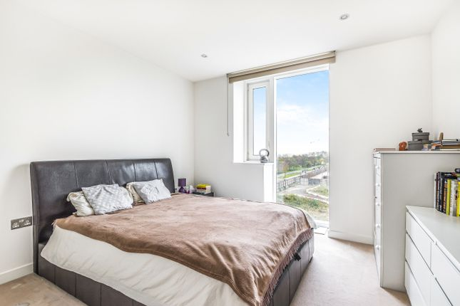 Bedroom of The Cable, 47 Pilot Walk, Parkside, Greenwich Peninsula SE10