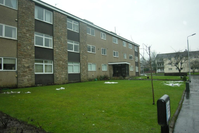 3 bed flat to rent in Kirkstone, Newton Mearns