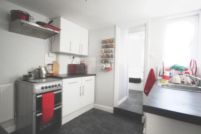 Thumbnail Terraced house to rent in Castle Road, Chatham